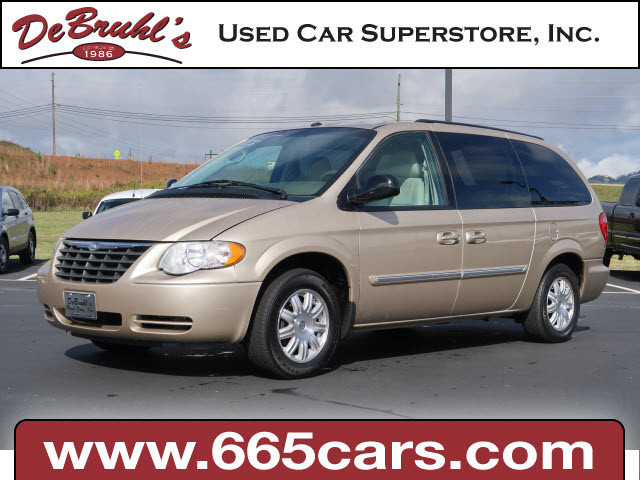 2007 Chrysler Town & Country Touring for sale by dealer