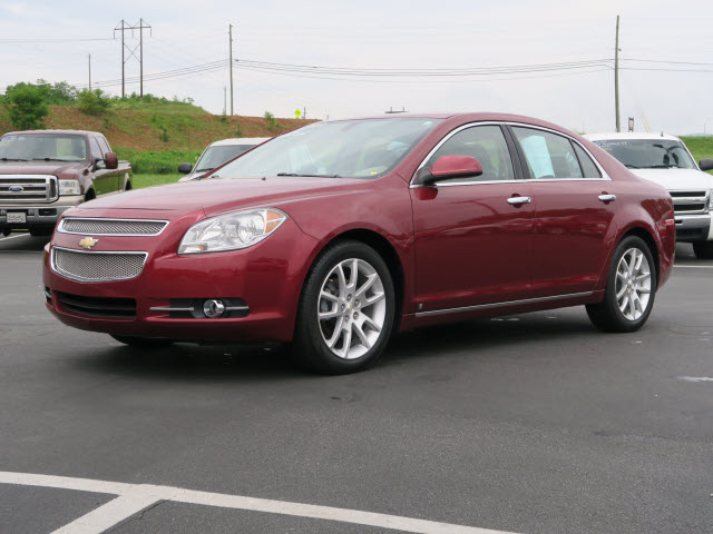 2009 Chevrolet Malibu LTZ for sale by dealer