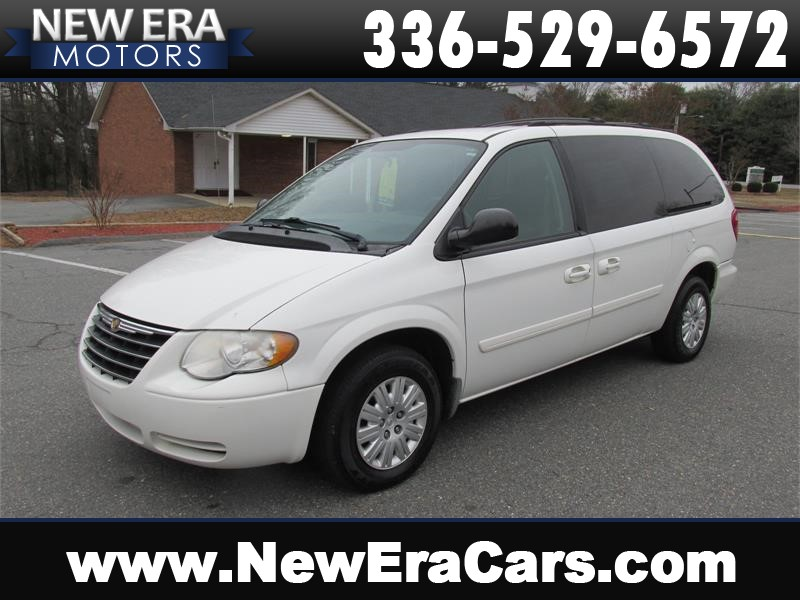 2005 Chrysler Town & Country LX Cheap! Nice! Winston Salem NC