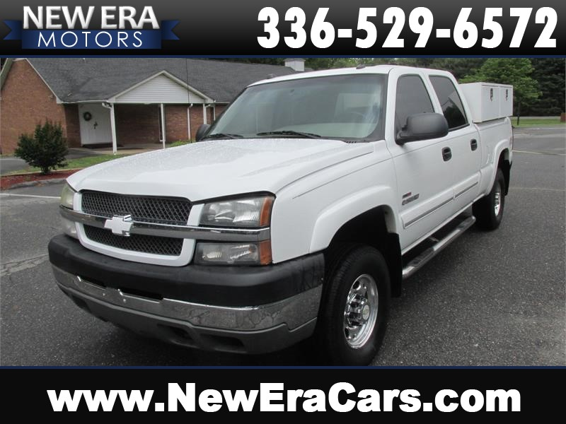 2004 Chevrolet Silverado 2500HD Work Truck Crew Cab Short Bed 4WD for sale by dealer