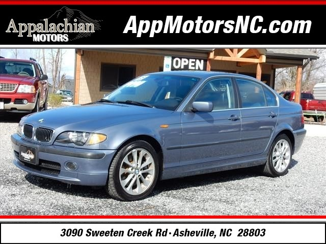 2005 BMW 3 Series 330xi for sale by dealer
