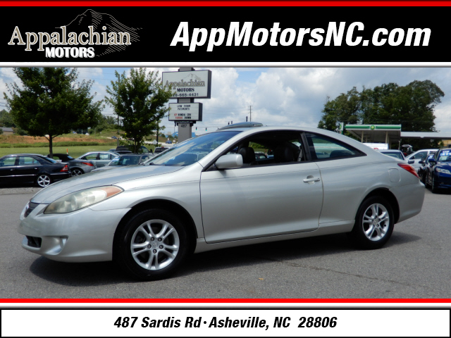 2004 Toyota Camry Solara SLE for sale by dealer