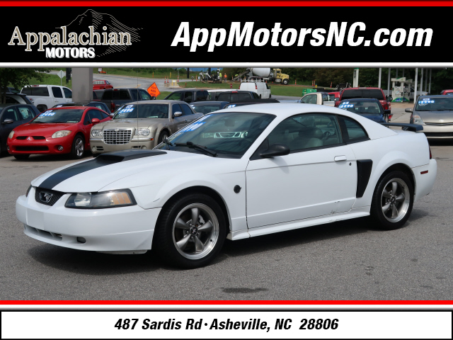 2004 Ford Mustang GT Deluxe for sale by dealer
