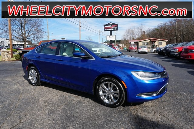 Chrysler 200 Limited in Asheville
