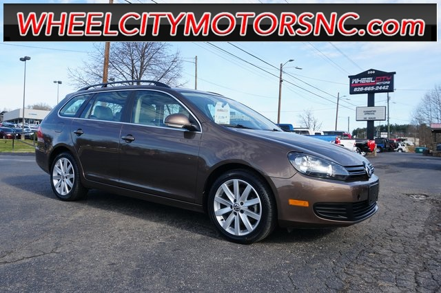 2012 Volkswagen Jetta SportWagen 2.0L TDI for sale by dealer
