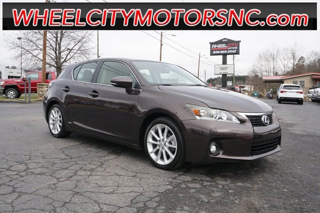 Lexus CT 200h in Asheville