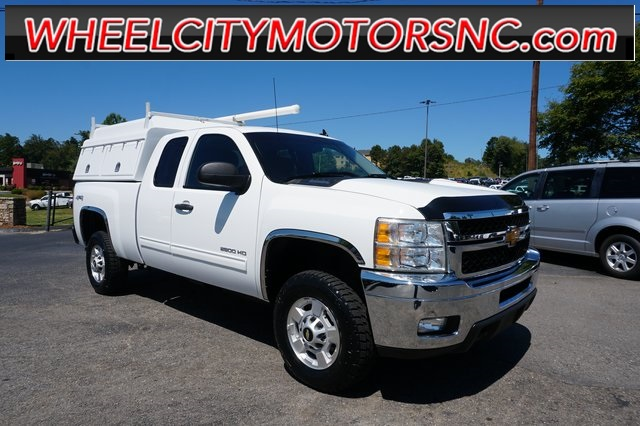 2013 Chevrolet Silverado 2500HD LT for sale by dealer