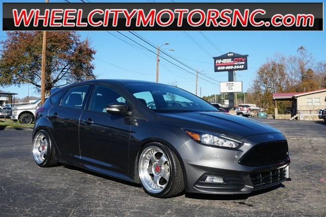 2017 Ford Focus ST for sale by dealer
