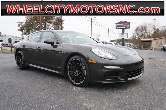 2016 Porsche Panamera 2 for sale by dealer