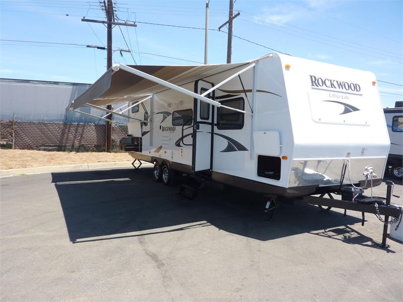 2015 BRAN NEW ROCKWOOD 2905SS for sale by dealer