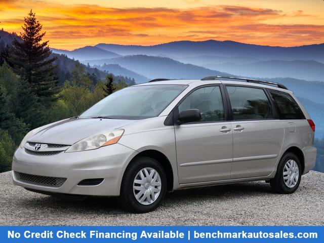 A used 2008 Toyota Sienna CE 7-Passenger 4dr Mini-Van Asheville NC
