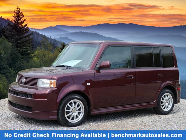 2005 Scion xB Hatchback 4D