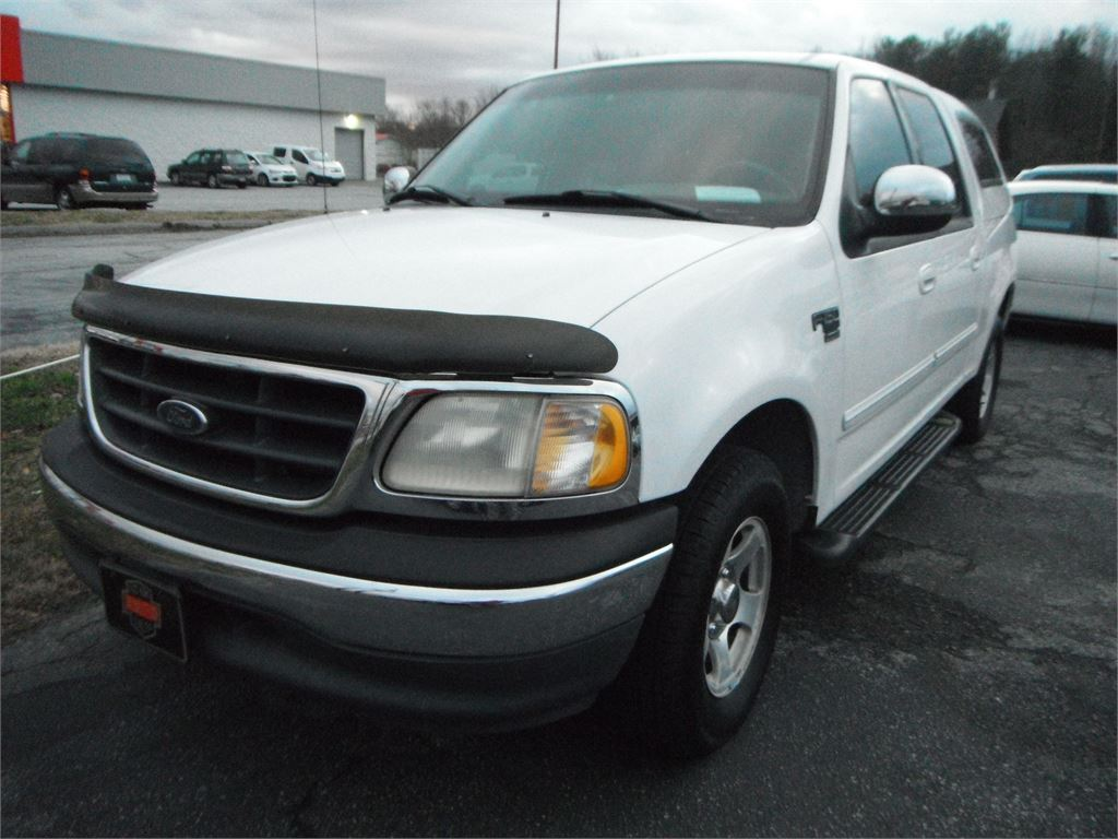 2001 Ford F-150 Lariat SuperCrew 2WD for sale by dealer