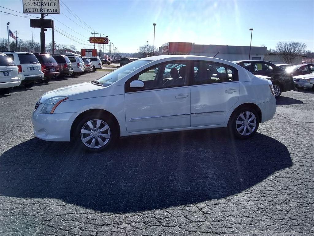 2011 Nissan Sentra 2.0 for sale by dealer