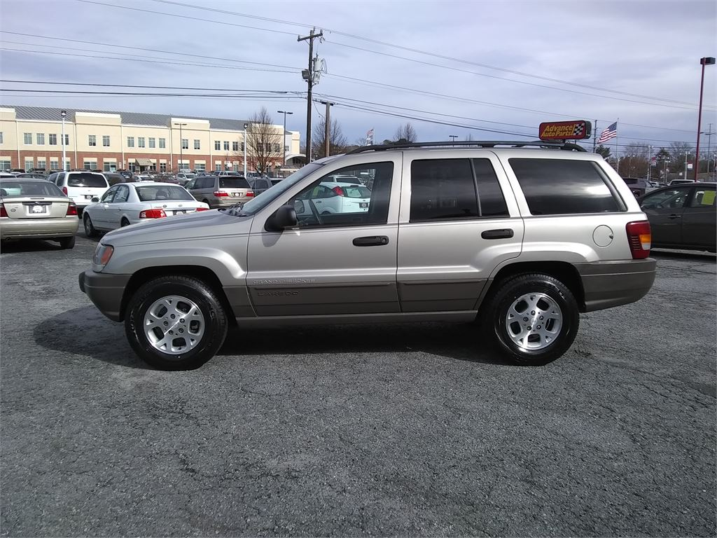 2003 Jeep Grand Cherokee Laredo 2WD for sale by dealer