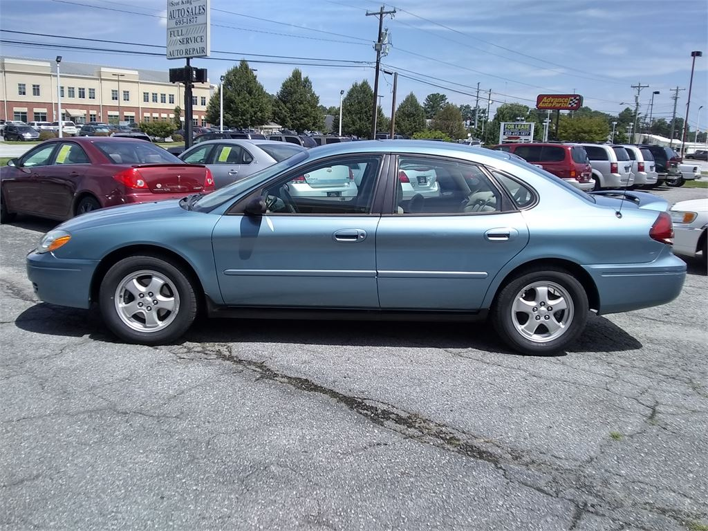 2005 Ford Taurus SE for sale by dealer
