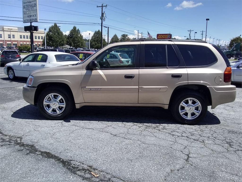 2004 GMC Envoy SLT 4WD for sale by dealer