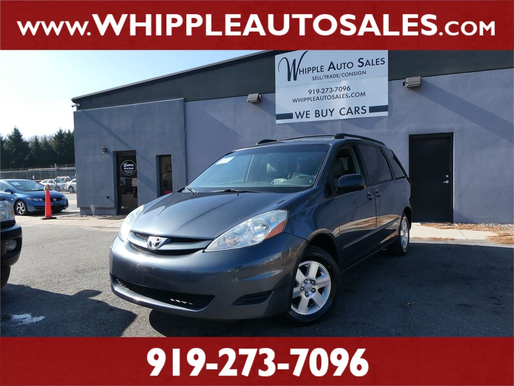 2009 TOYOTA SIENNA LE (1-OWNER) for sale by dealer
