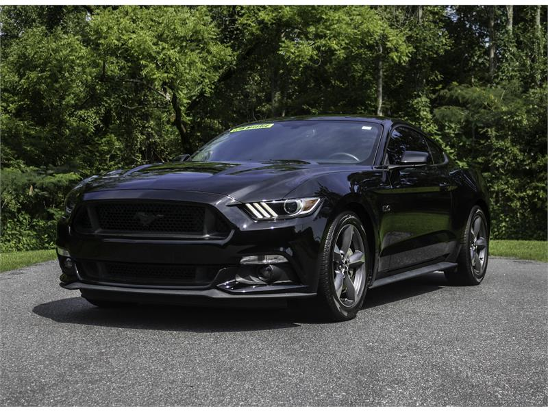 Ford Mustang GT Coupe 5.0 Coyote Motor in Stokesdale