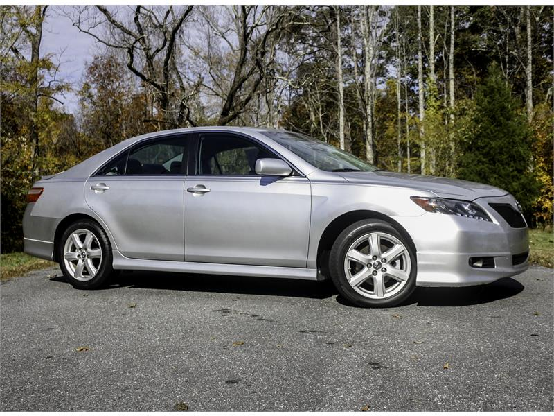 2009 Toyota Camry XLE 5-Spd AT for sale by dealer