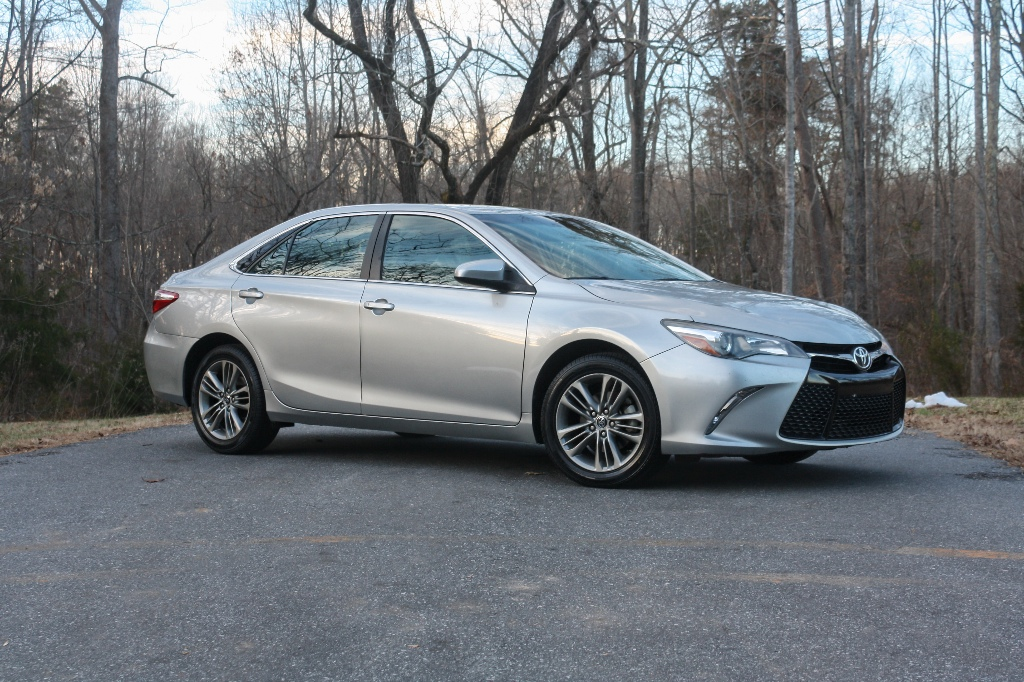 2015 Toyota Camry SE for sale by dealer