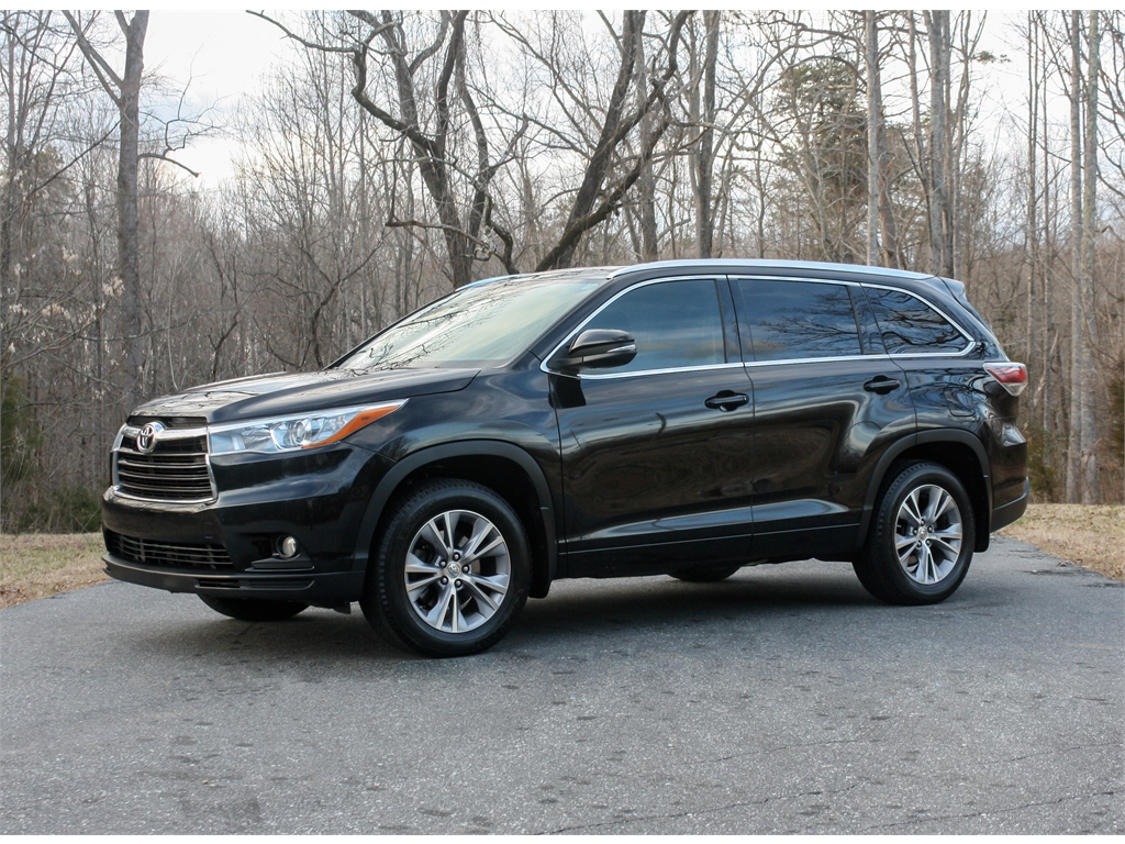 2015 Toyota Highlander XLE AWD V6 *ONE OWNER* for sale by dealer