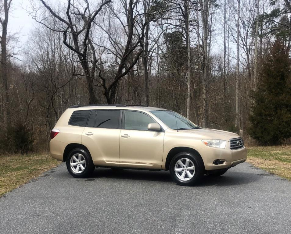 2008 Toyota Highlander Base 2WD for sale by dealer