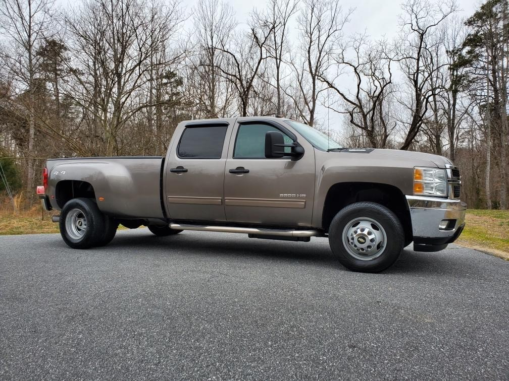 2014 Chevrolet Silverado 3500HD LT Crew Cab 4WD for sale by dealer