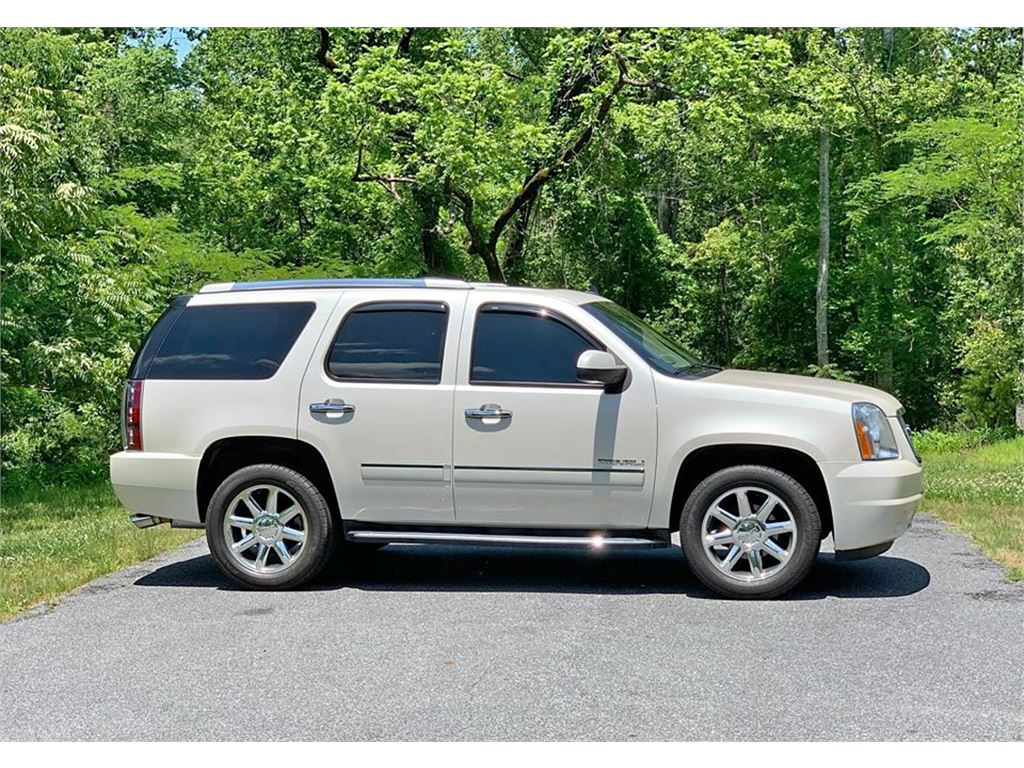 2013 GMC Yukon Denali 4WD for sale by dealer