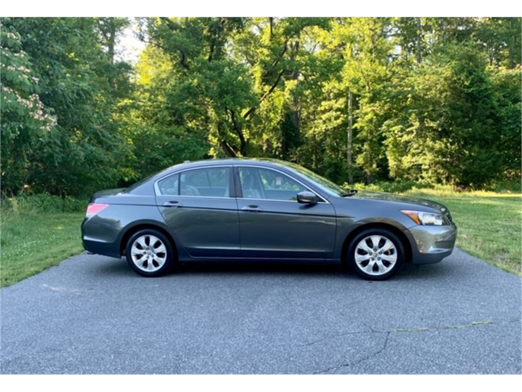 2010 Honda Accord EX-L Sedan AT for sale by dealer