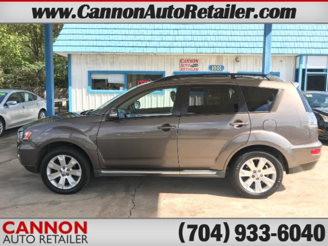 2011 Mitsubishi Outlander SE AWD for sale by dealer