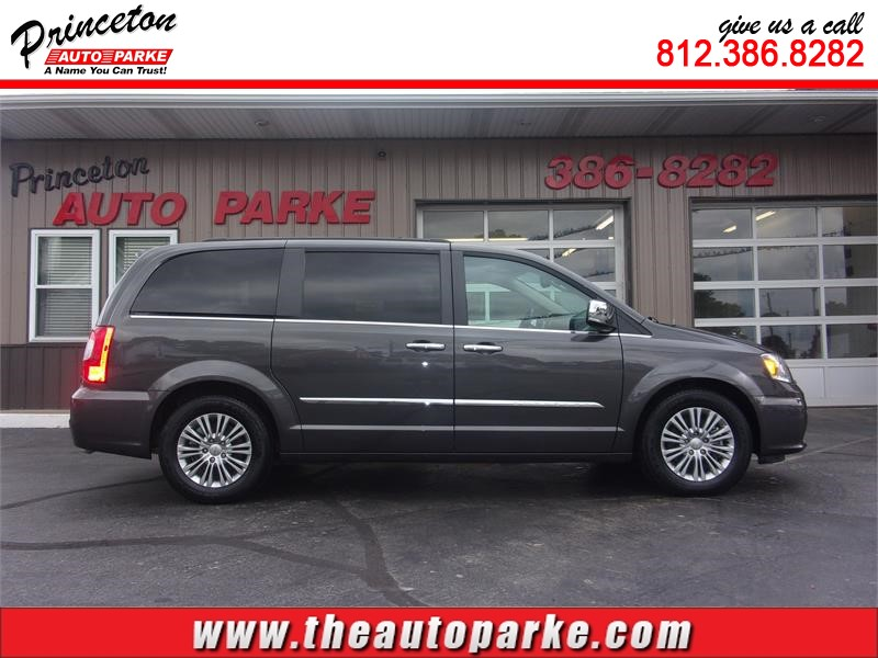 2016 CHRYSLER TOWN & COUNTRY TOURING L Princeton IN