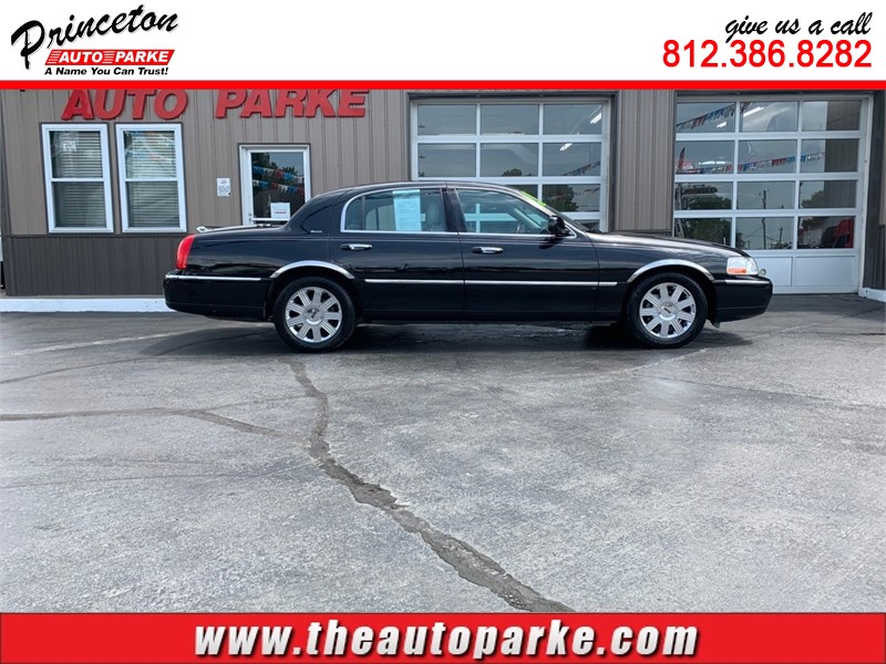 2004 LINCOLN TOWN CAR ULTIMATE for sale by dealer