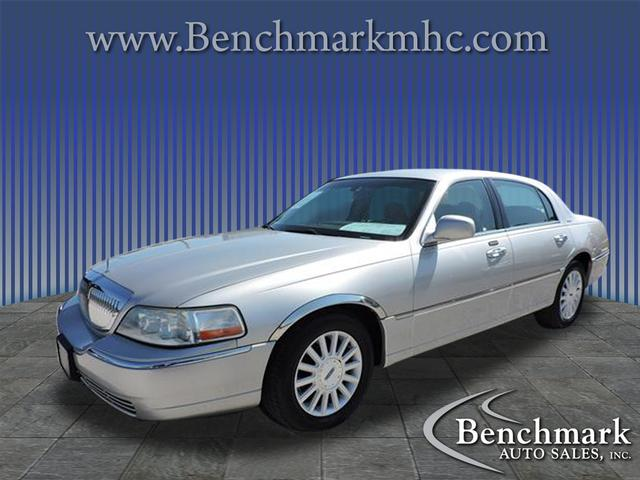 2004 Lincoln Town Car Signature for sale by dealer