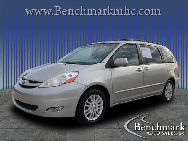 2010 Toyota Sienna XLE  for sale by dealer