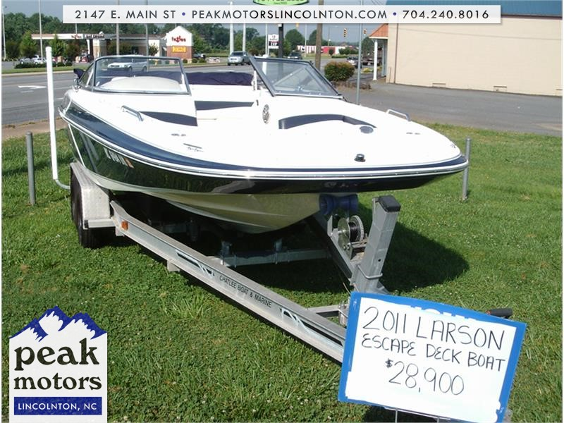 2011 LARSON ESCAPE DECK BOAT 204 for sale by dealer