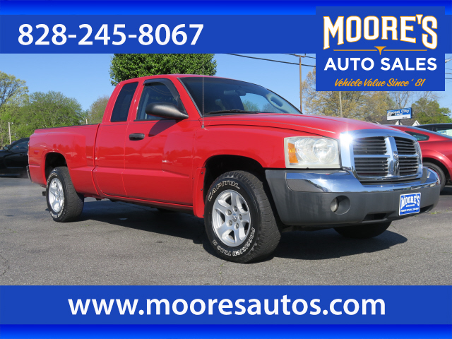 2005 Dodge Dakota SLT for sale by dealer