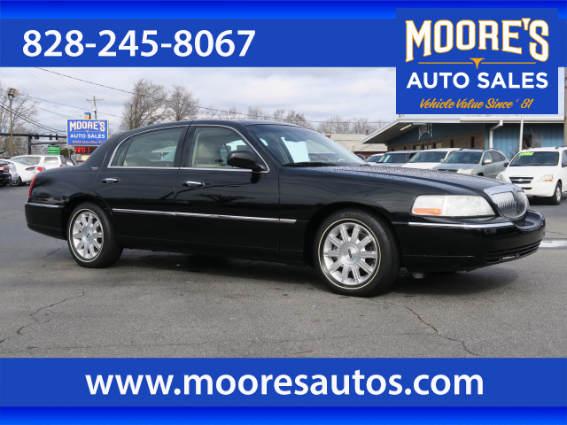 2008 Lincoln Town Car Signature Limited for sale by dealer