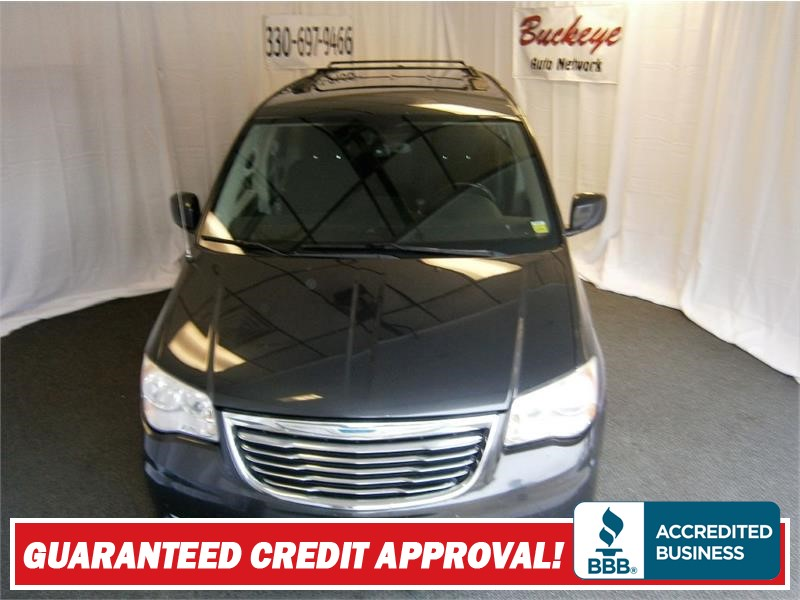 2011 CHRYSLER TOWN & COUNTRY TOURING Akron OH