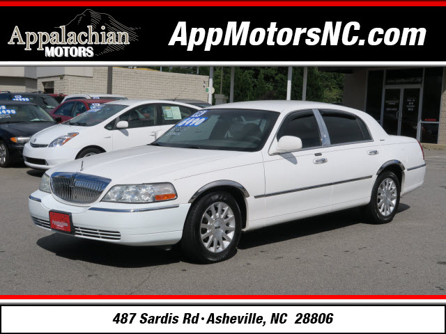 2006 Lincoln Town Car Signature