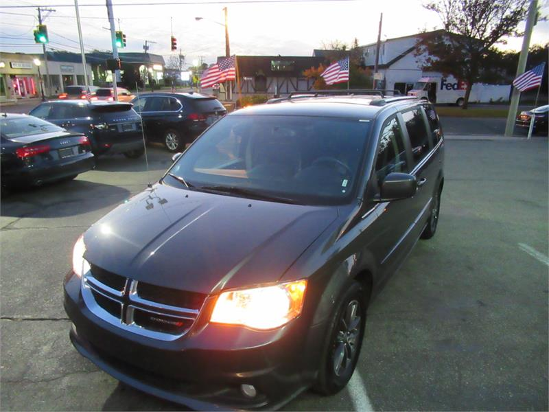2017 Dodge Grand Caravan SXT Wagon Copiague NY