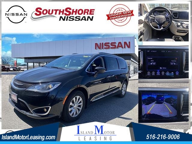2017 Chrysler Pacifica Touring L for sale by dealer