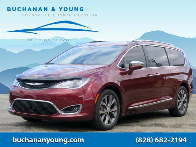2017 Chrysler Pacifica Limited for sale by dealer