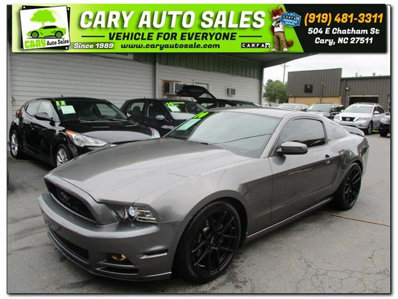 FORD MUSTANG in Cary