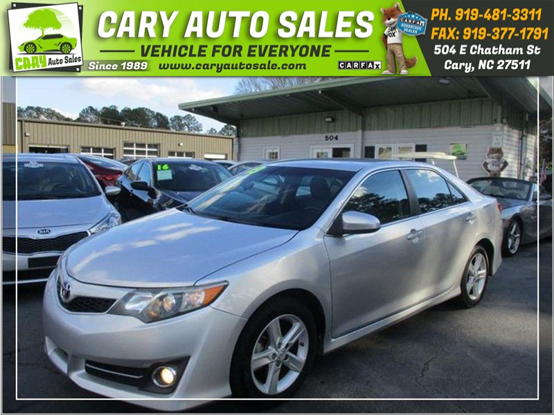 2013 TOYOTA CAMRY SE for sale by dealer