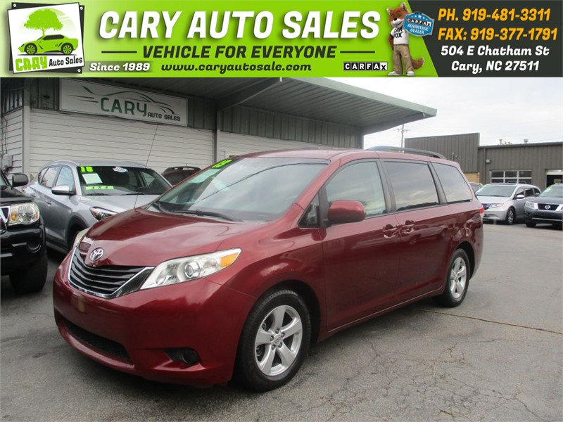 2013 TOYOTA SIENNA LE 8 Passengers for sale by dealer
