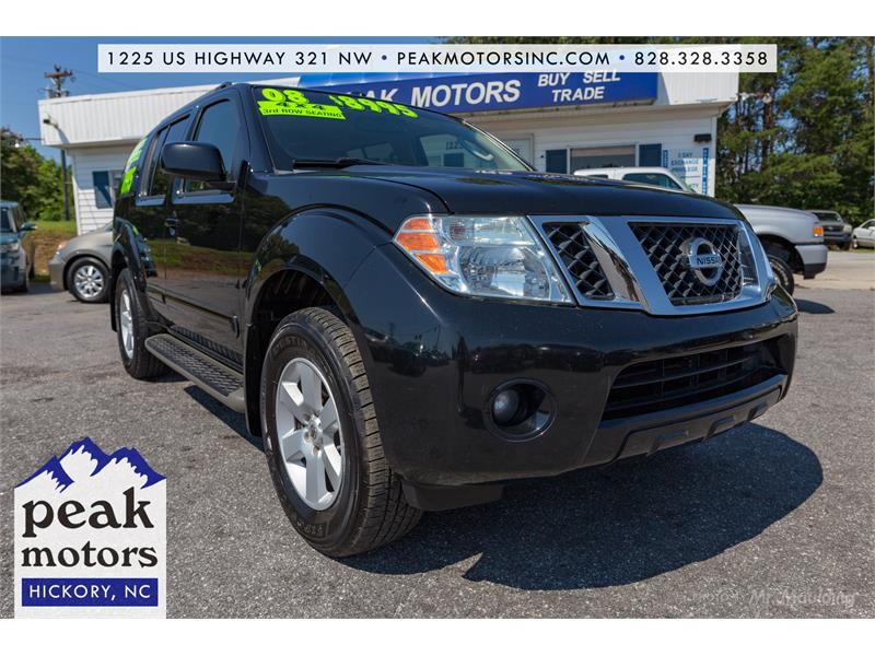 2008 Nissan Pathfinder SE for sale by dealer