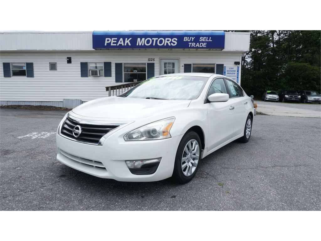 2014 Nissan Altima 2.5 S for sale by dealer