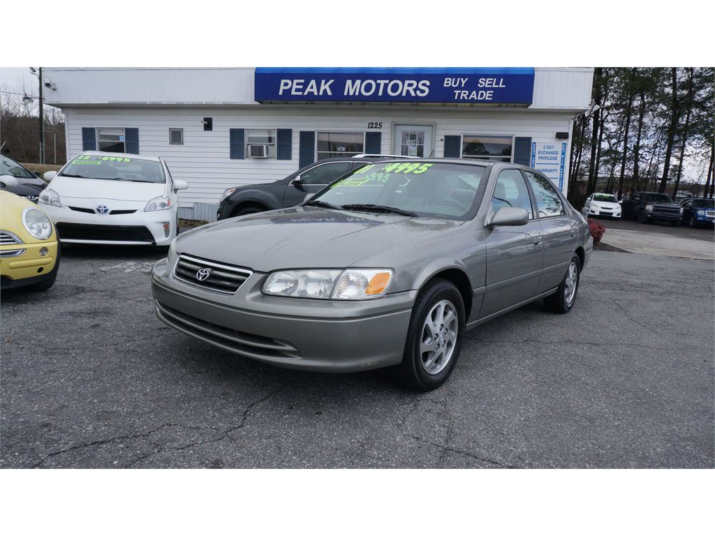 2001 Toyota Camry LE for sale by dealer