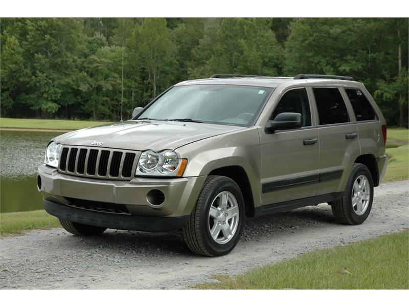 2006 Jeep Grand Cherokee Laredo 2WD for sale by dealer